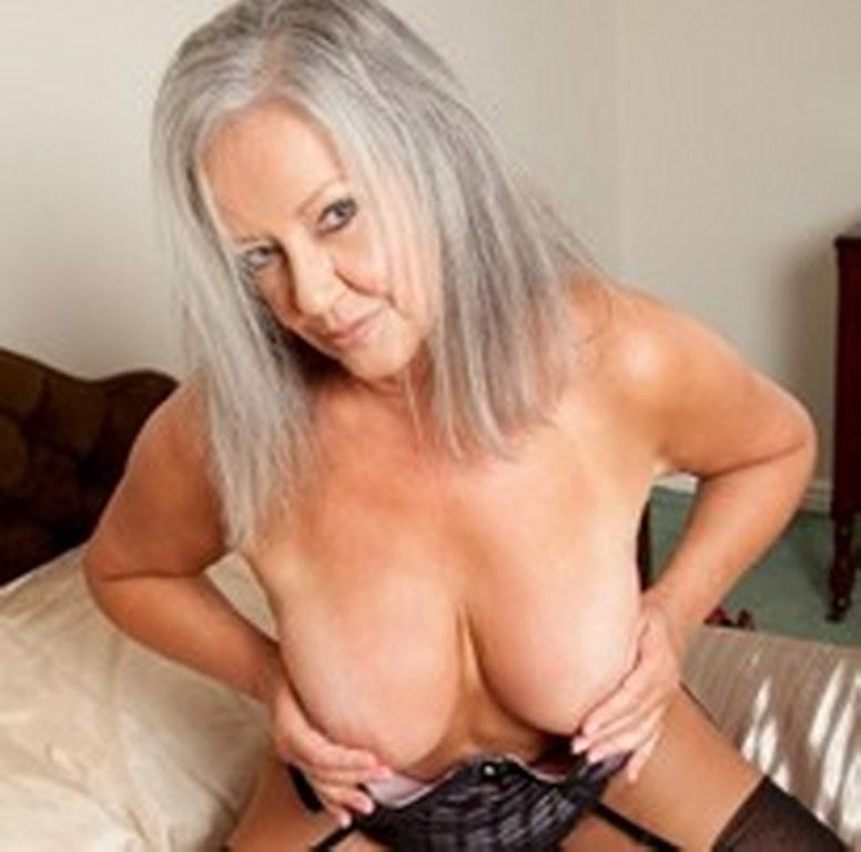 899 porno per amanti del sesso con anziane